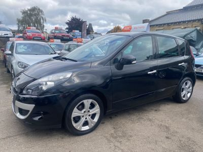 Renault Scenic 1.5 dCi 110 Dynamique TomTom 5dr MPV Diesel Black at R & J Car Sales Limited	 Halifax