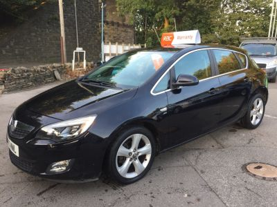 Vauxhall Astra 1.6i 16V SRi 5dr Auto Hatchback Petrol Black at R & J Car Sales Limited	 Halifax